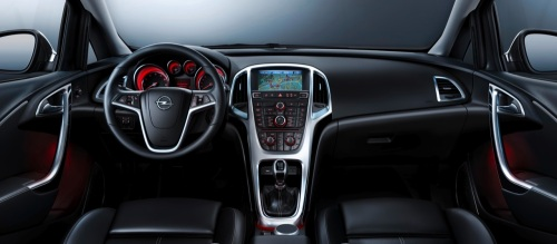 Nuevo_Opel_Astra_2010-06