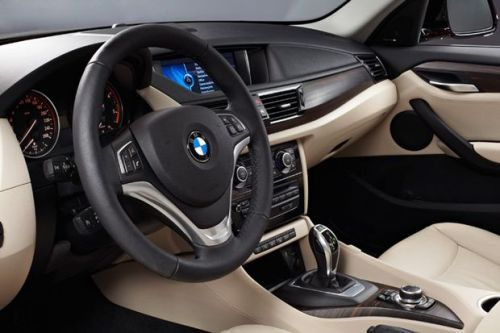 BMW-X1-int