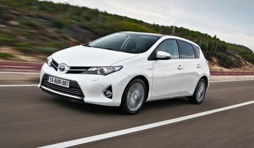 Toyota-Auris-HSD-2013-0
