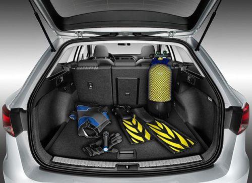 Seat-Leon-ST-2013-int2