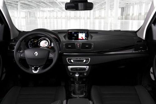 Renault-Megane-2014-int