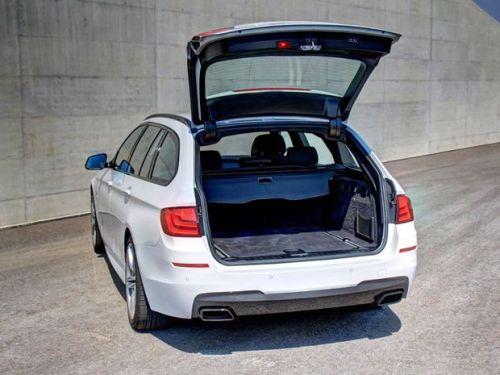 BMW-M550d-xDrive-Touring-maletero